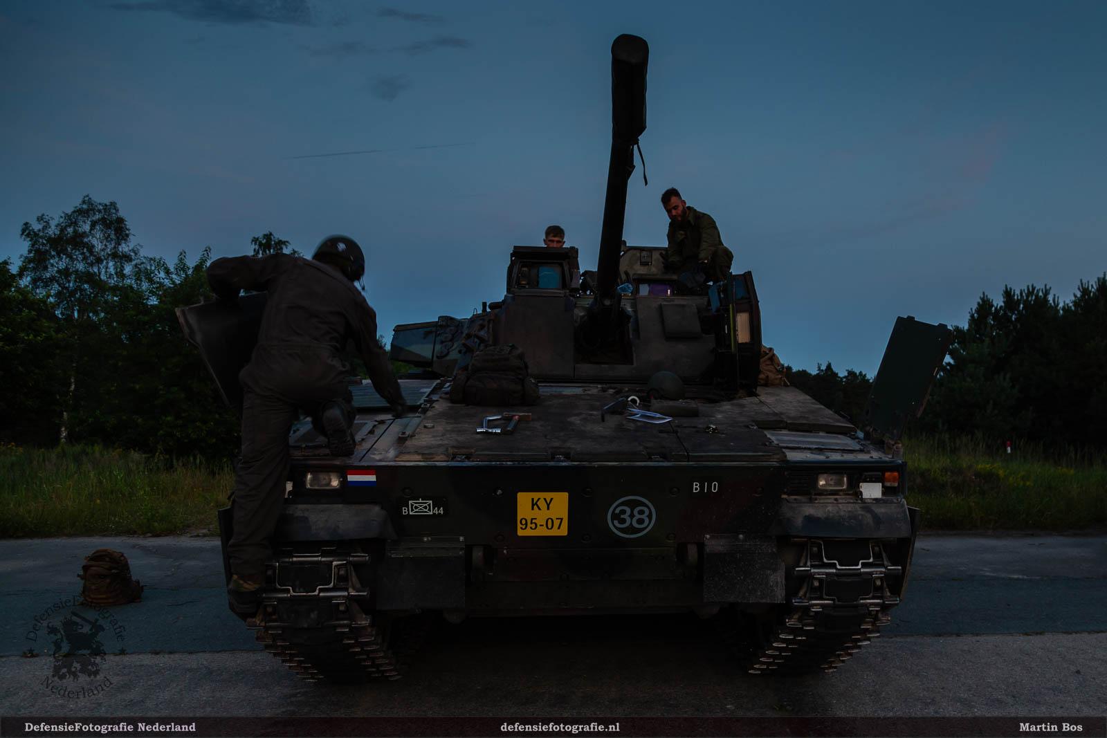 Sunset schieten CV90