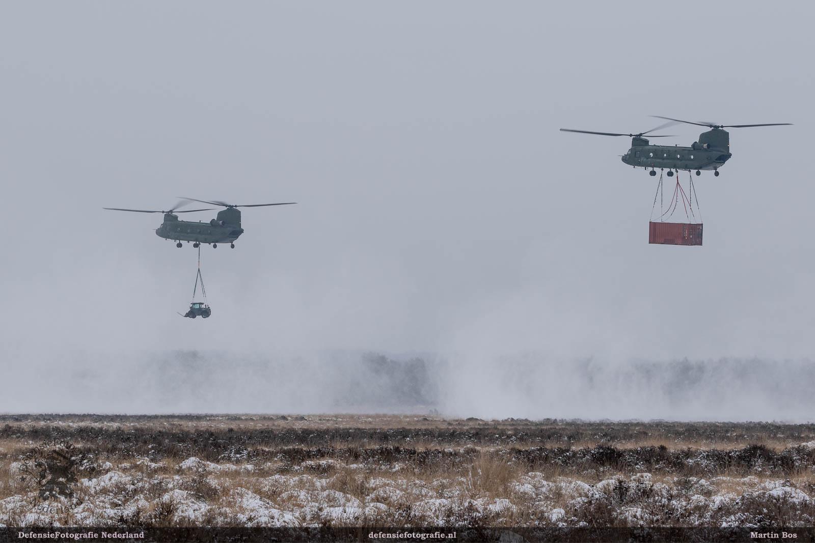 Chinooks met slingloads
