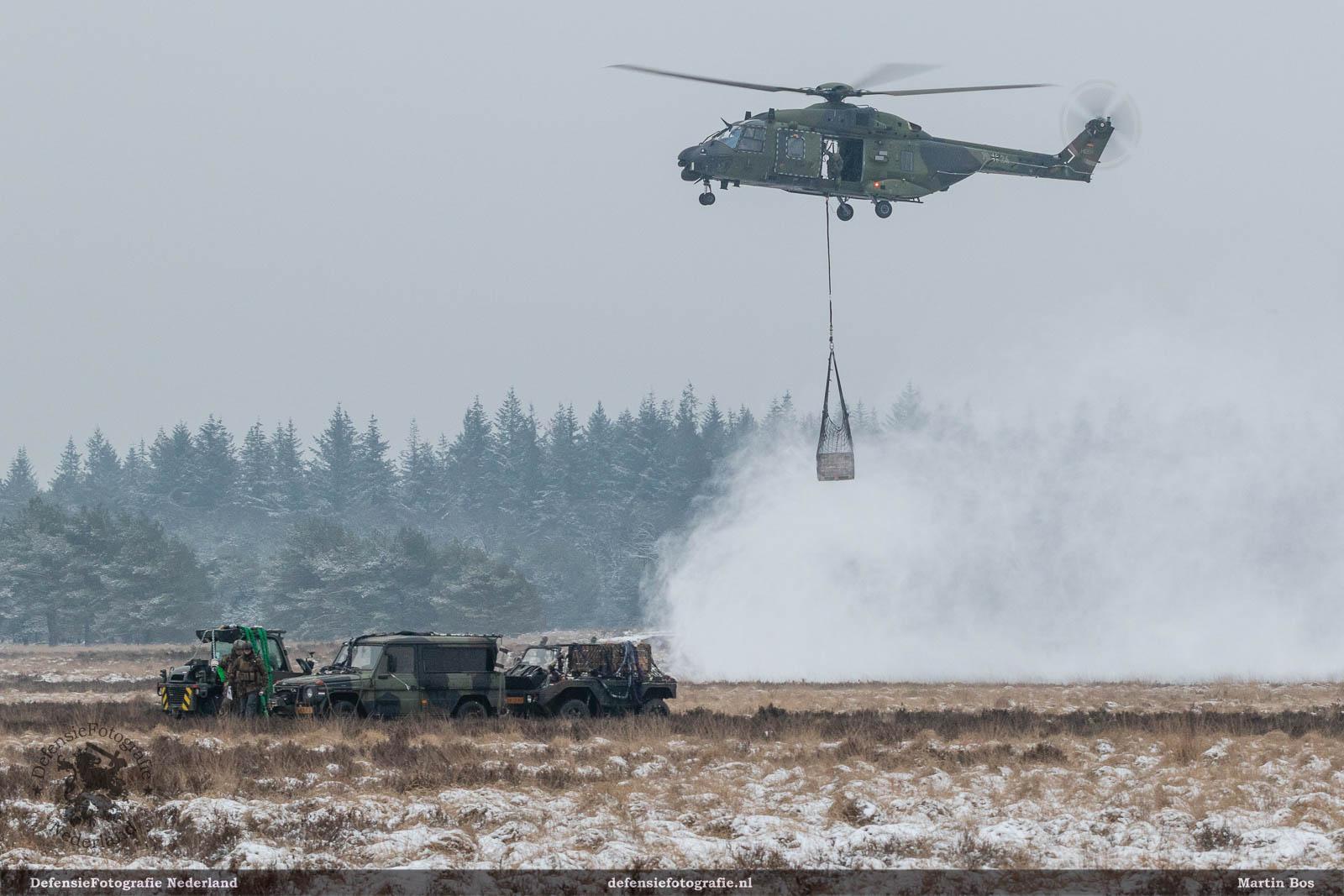 NH90 met slingload