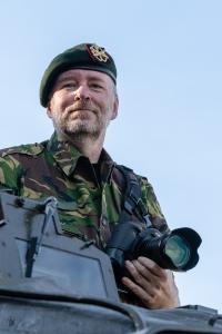 Selfie, Martin in uniform